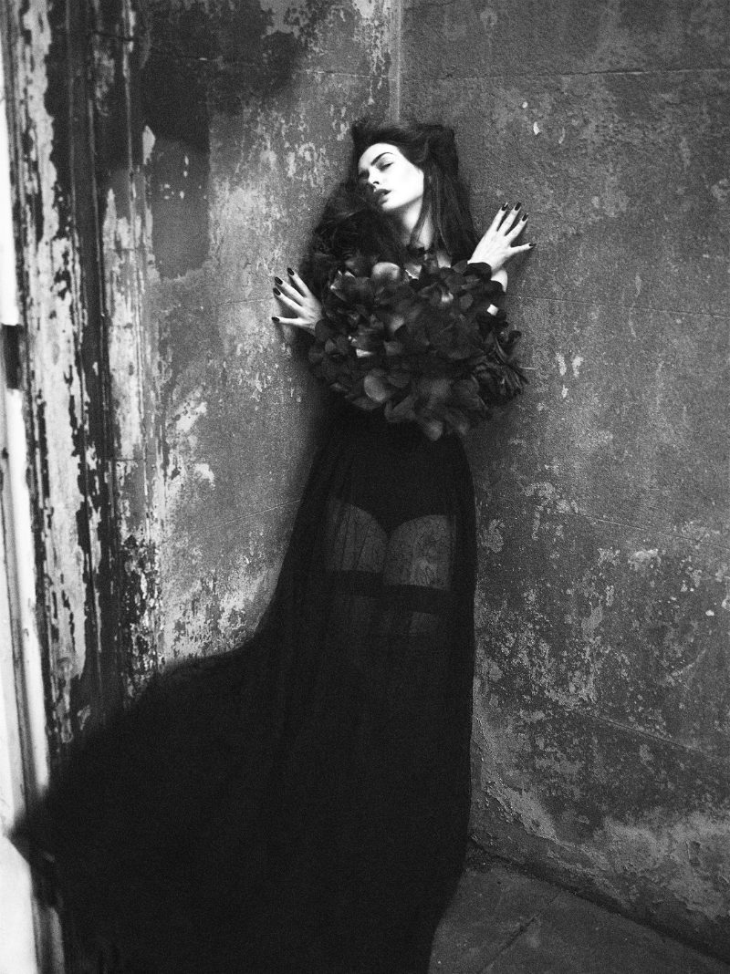 Anne Hathaway by Mert & Marcus for Interview September 2011