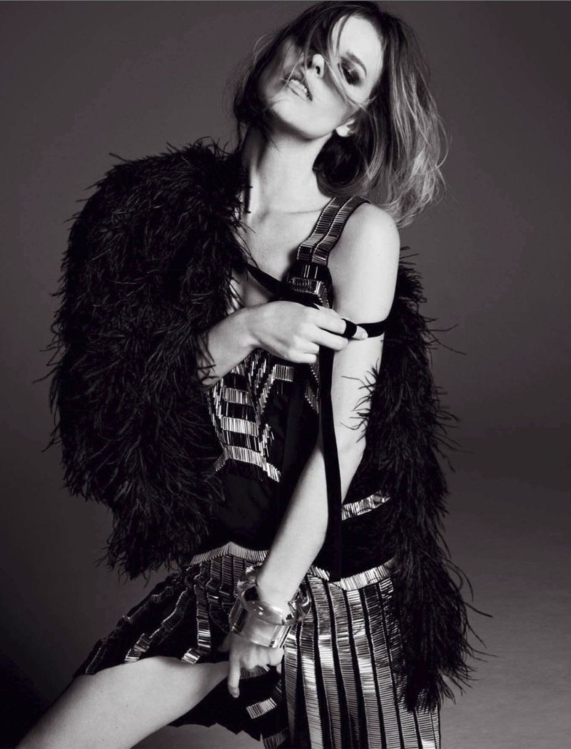 Eva Herzigova by David Roemer for Marie Claire Spain January 2012