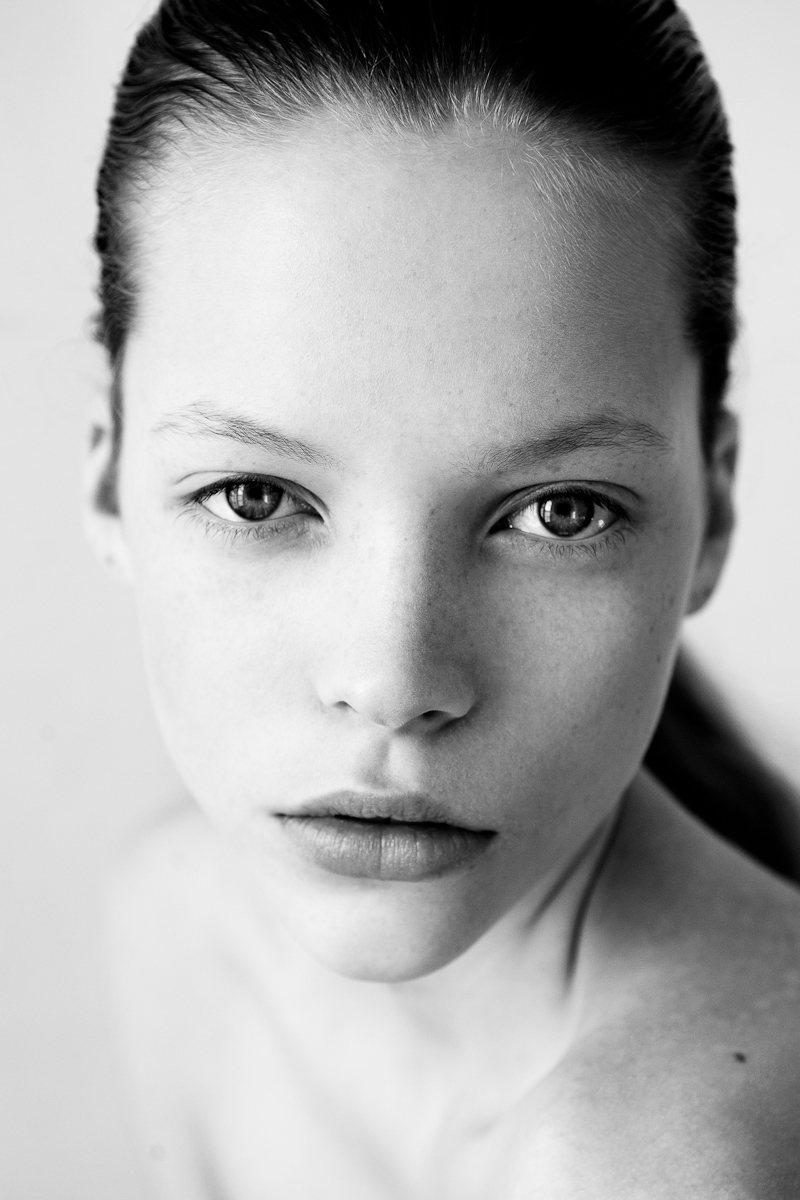 Fresh Face | Mathilda by Remi Kozdra & Kasia Baczulis