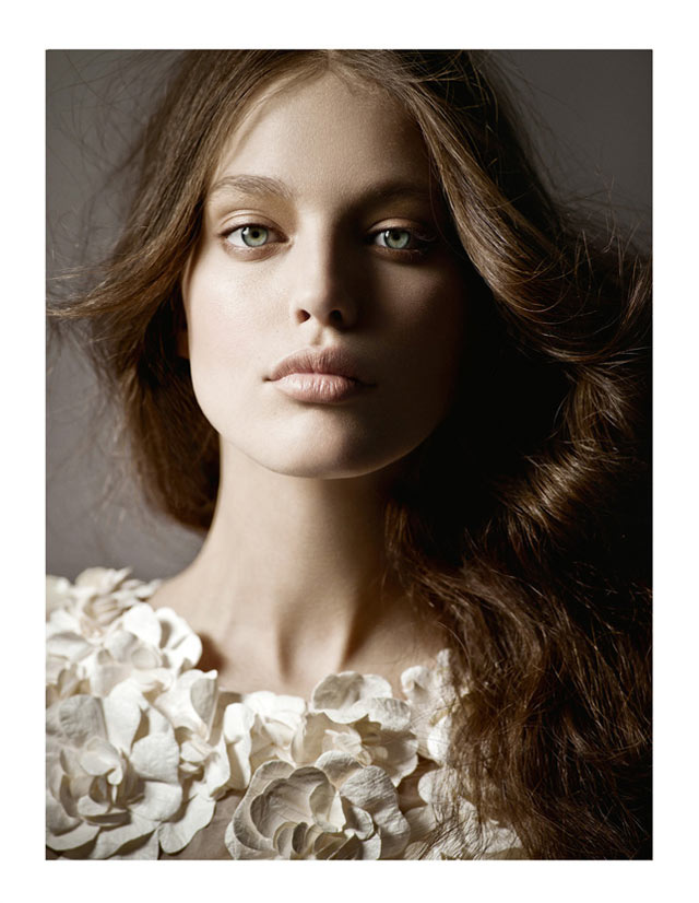 Emily DiDonato by Jean-François Campos for Vogue Latin America April 2012