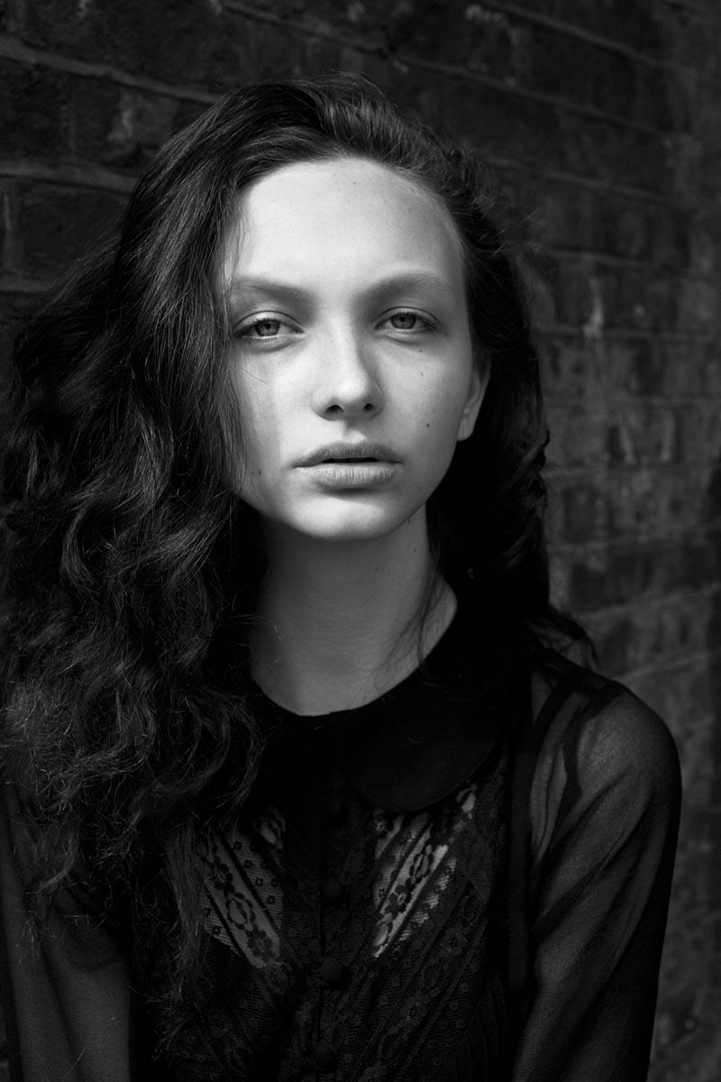Fresh Face | Claudia E by Luc Coiffait