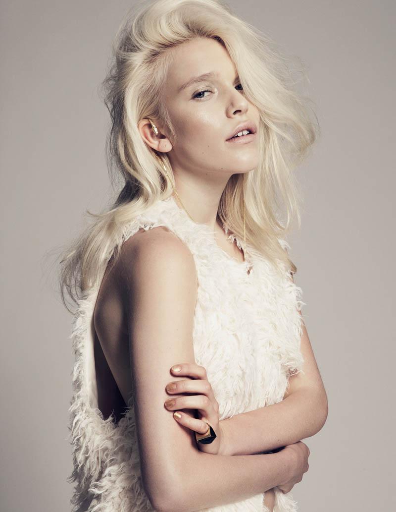 Felicia Karlahag by Fredrik Wannerstedt for OM Magazine