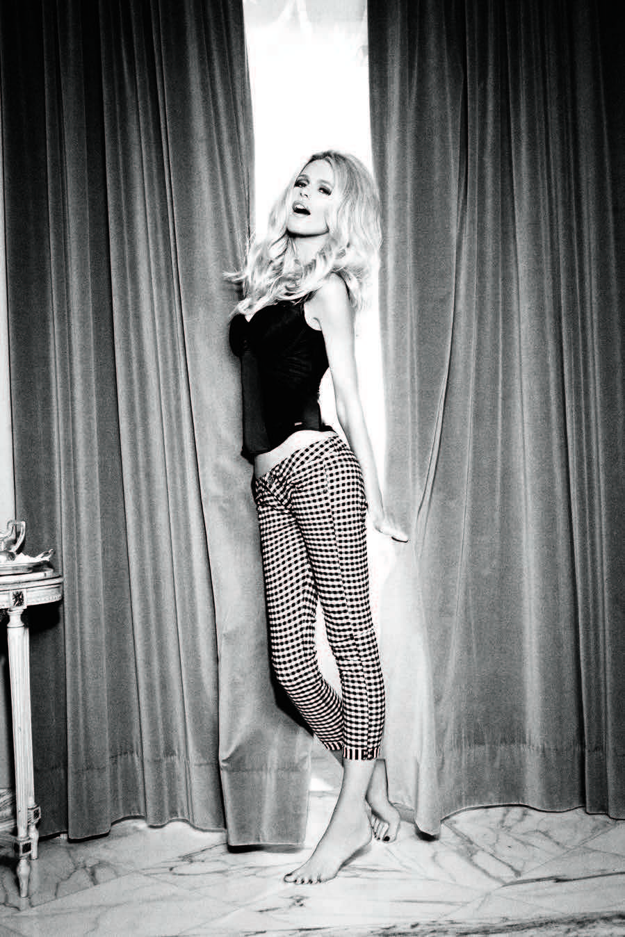 Claudia Schiffer Fronts Guess' 30th Anniversary Campaign by Ellen von Unwerth