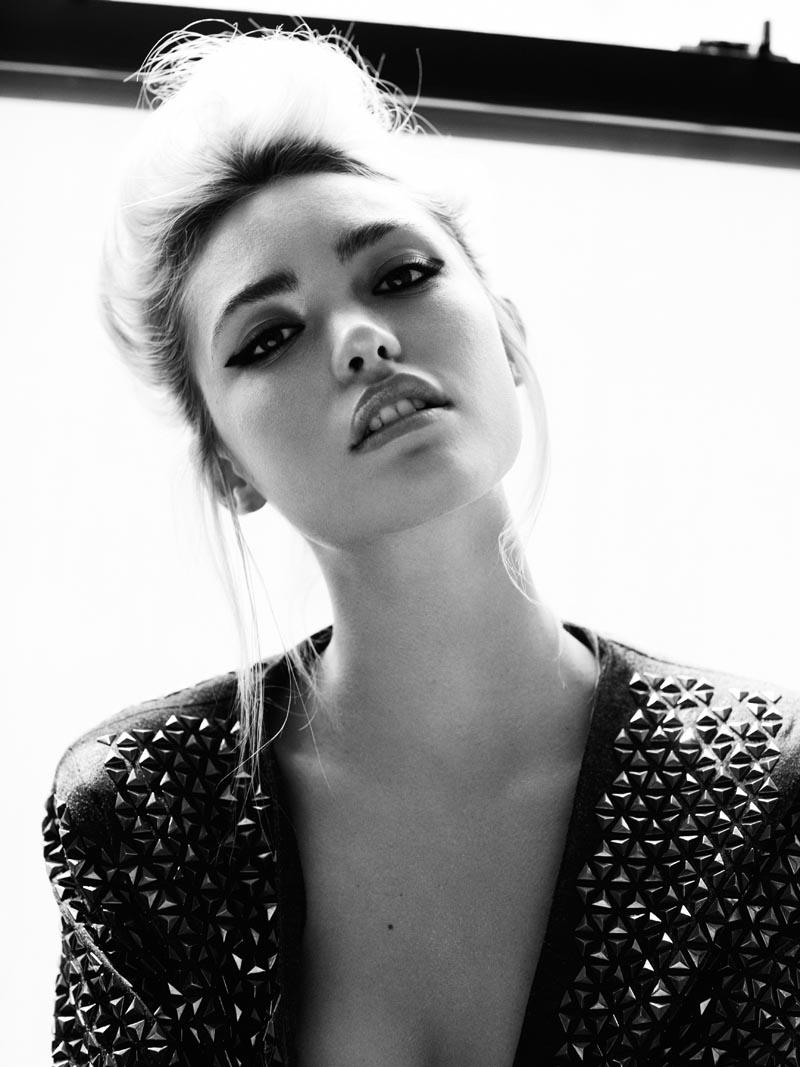 Cora Keegan by Frida Marklund for Fashion Gone Rogue