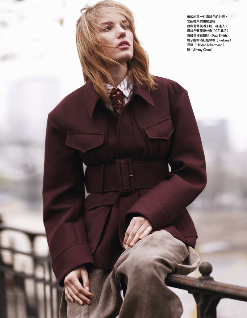 A Neutral Marique Schimmel Stars in Vogue Taiwan August 2012 by Naomi Yang