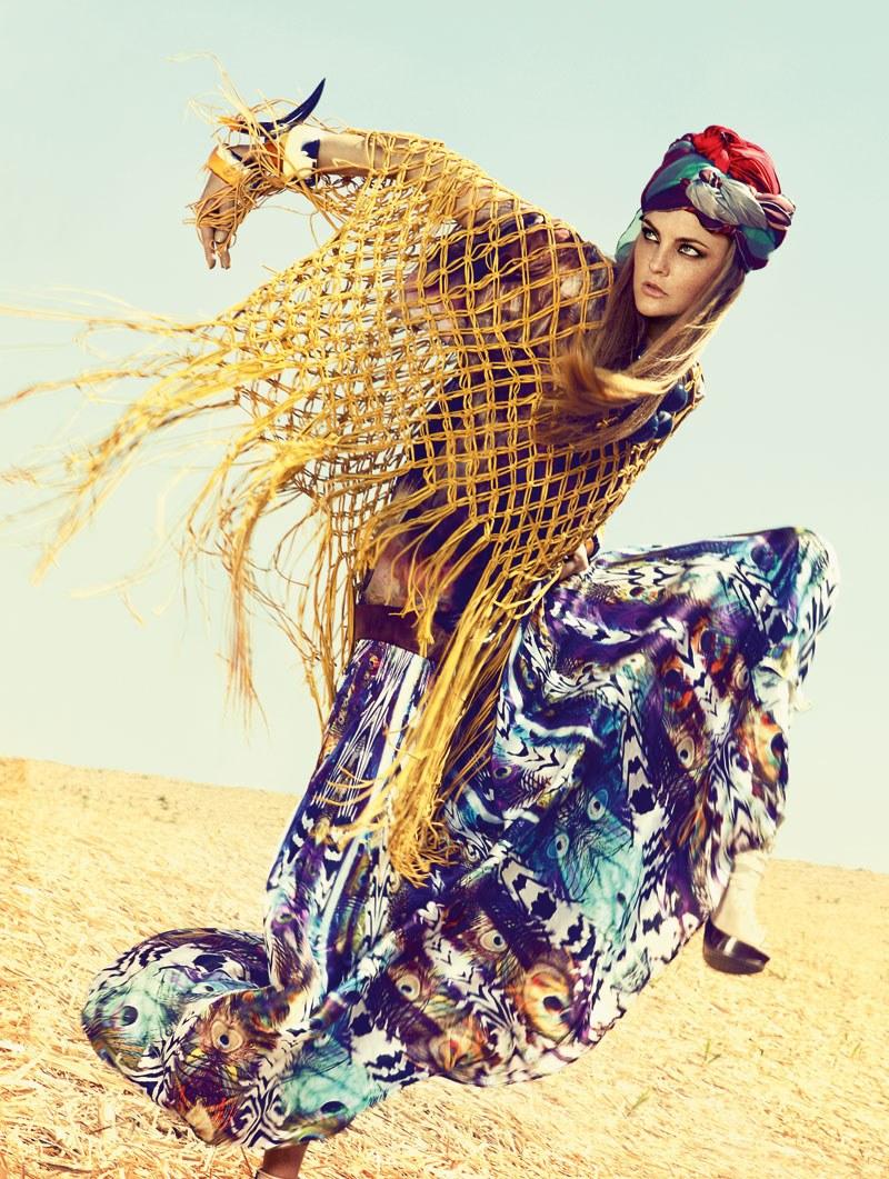 Caroline Trentini for Elle Brazil November 2010 by Zee Nunes & André Katopodis