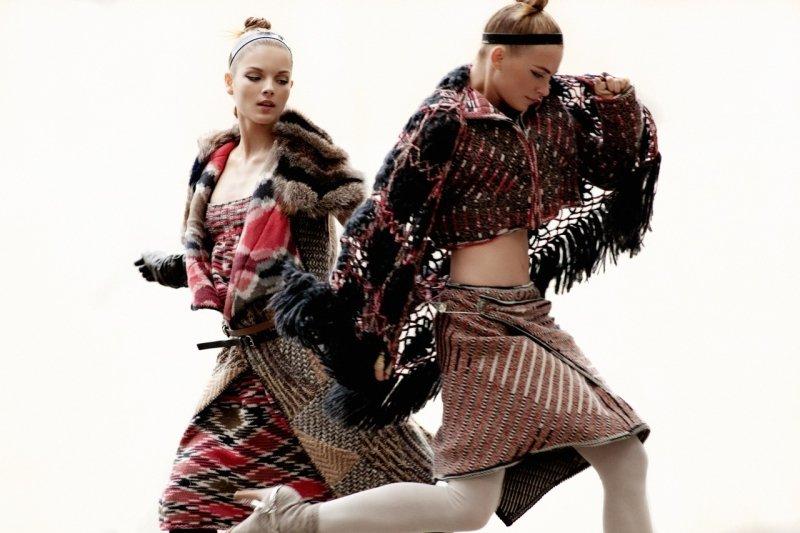 Mayara Rubik Marchi & Julia Dunstall by Alexander Neumann for Elle Mexico November 2010