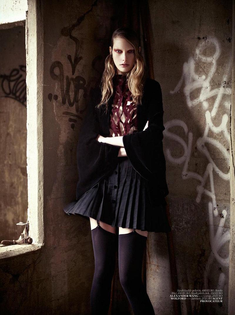 Ylonka Verheul by Mariano Vivanco for Vogue Turkey January 2011