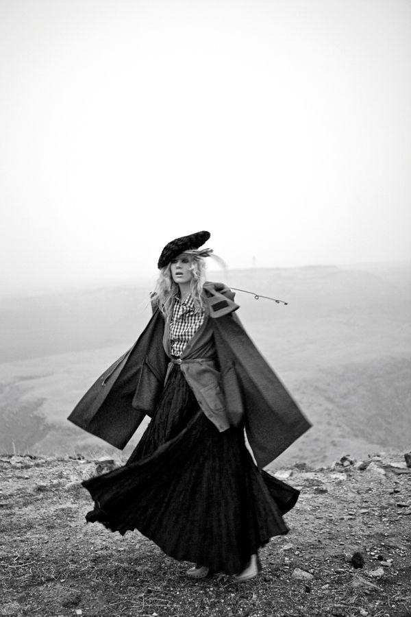 Ana Zalewska & Karolin Machova for Elle Turkey by Senol Altun
