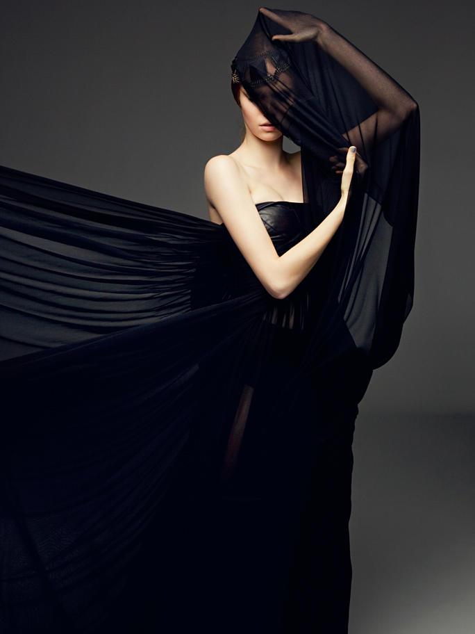 Luisa Bianchin by Karine Basilio in Black Fire