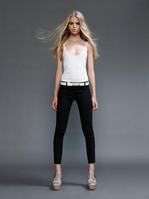 Versace Spring/Summer 2011: Ginta Lapina & Daphne Groeneveld