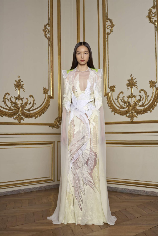 Givenchy Spring 2011 Couture | Paris Haute Couture
