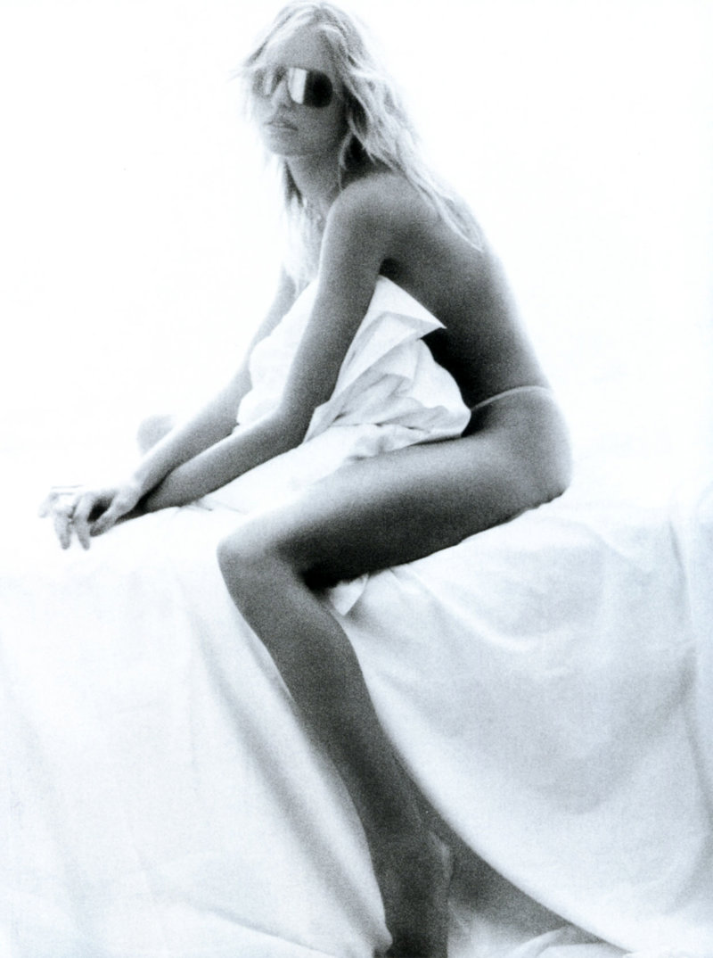 Morning Beauty | Karolina Kurkova by Patrick Demarchelier