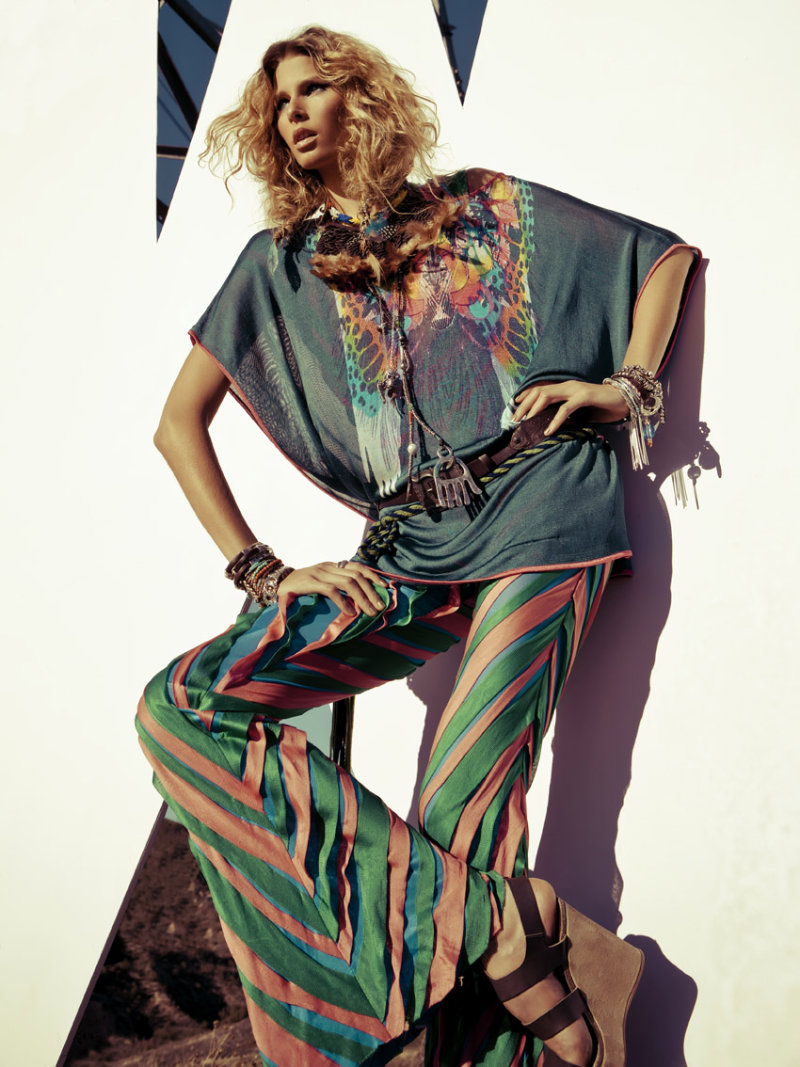Hana Soukupova by Santiago Esteban for Elle Spain March 2011
