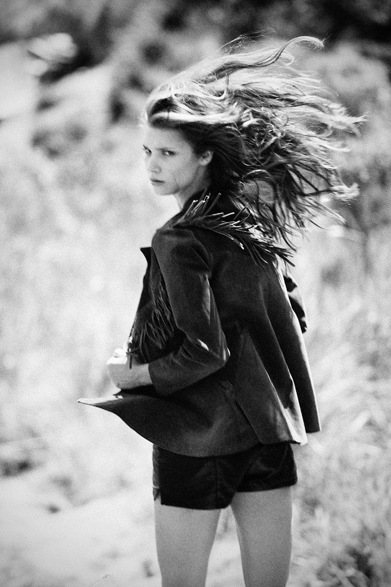 Portrait | Camila Mingori by Bruna Castanheira & Josefina Bietti