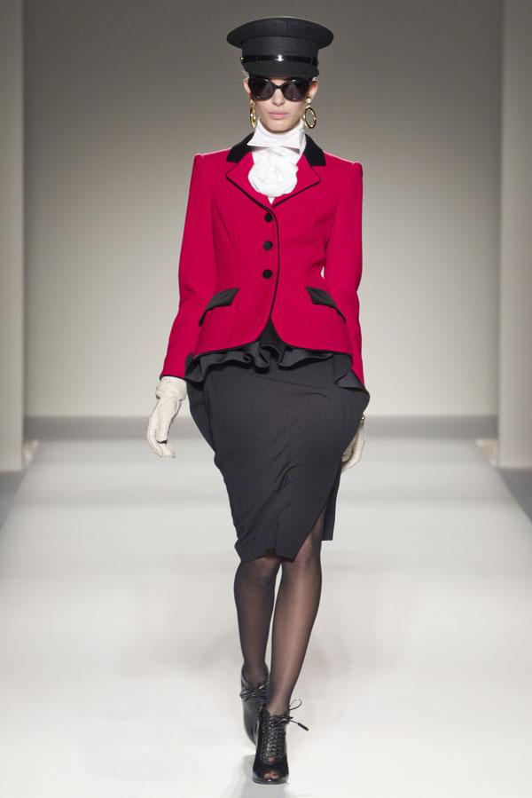 Moschino Fall 2011   Milan Fashion Week