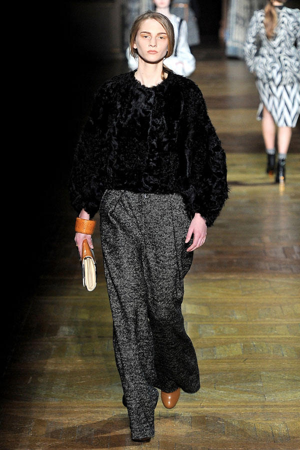 Dries Van Noten Fall 2011 | Paris Fashion Week