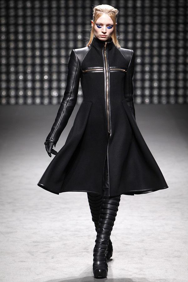 Gareth Pugh Fall 2011 | Paris Fashion Week