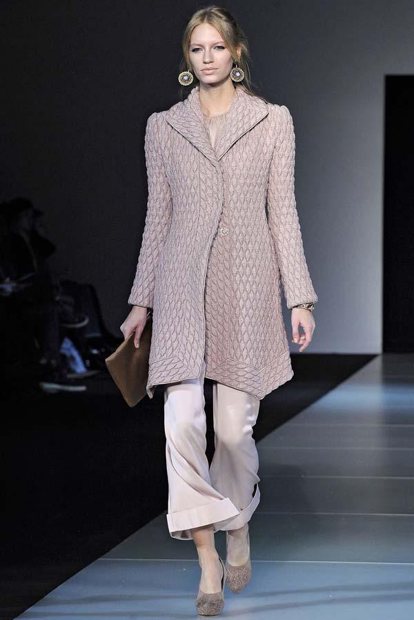 Giorgio Armani Fall 2011 | Milan Fashion Week