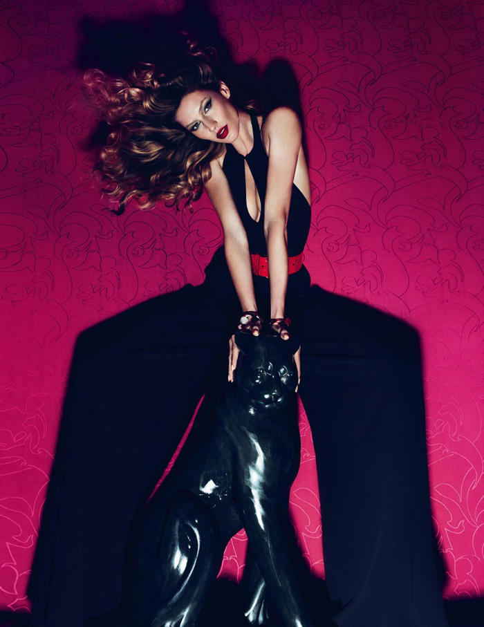 Gisele Bundchen for Vogue Turkey March 2011 by Mert & Marcus