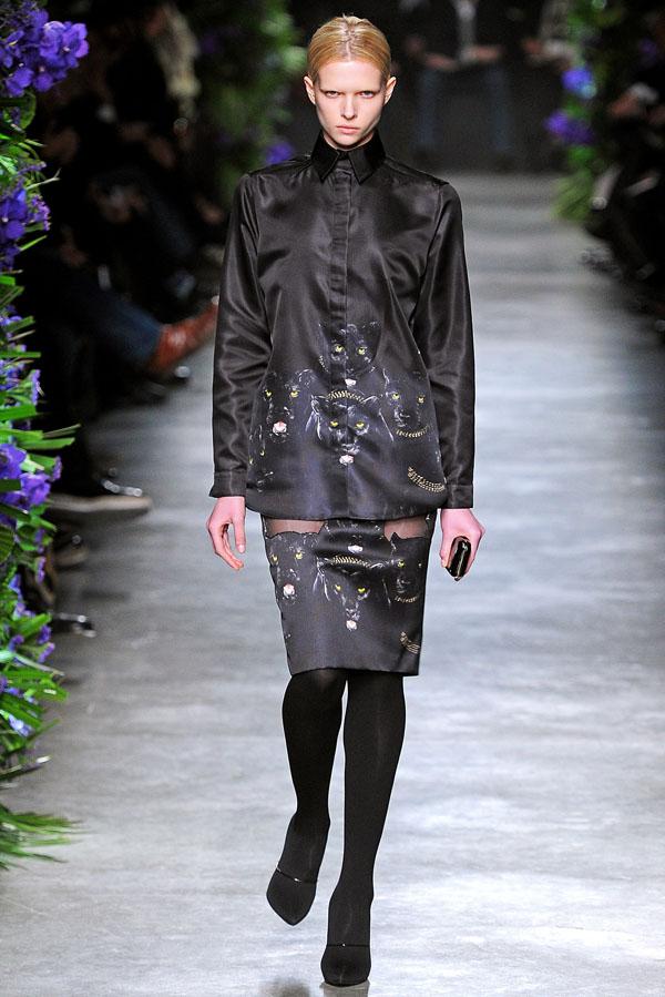 Givenchy Fall 2011 | Paris Fashion Week