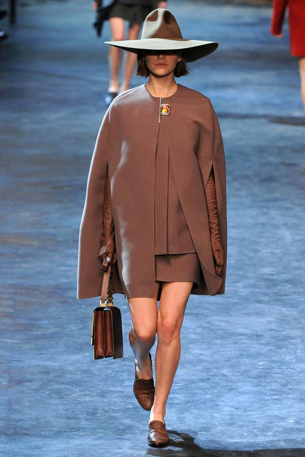 Lanvin Fall 2011   Paris Fashion Week