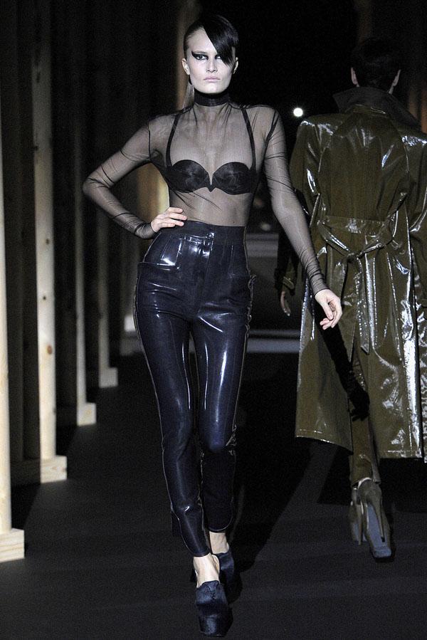Thierry Mugler Fall 2011 | Paris Fashion Week