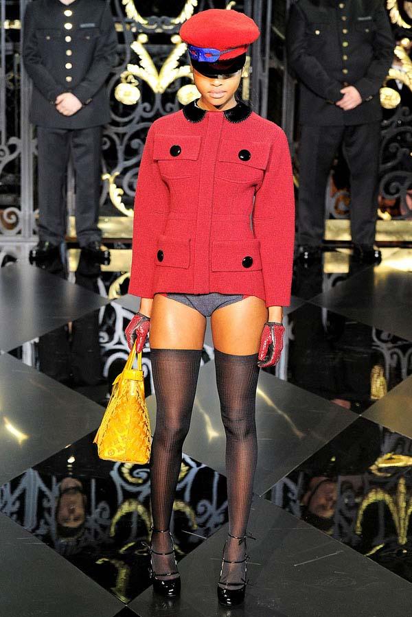 Louis Vuitton Fall 2011 | Paris Fashion Week