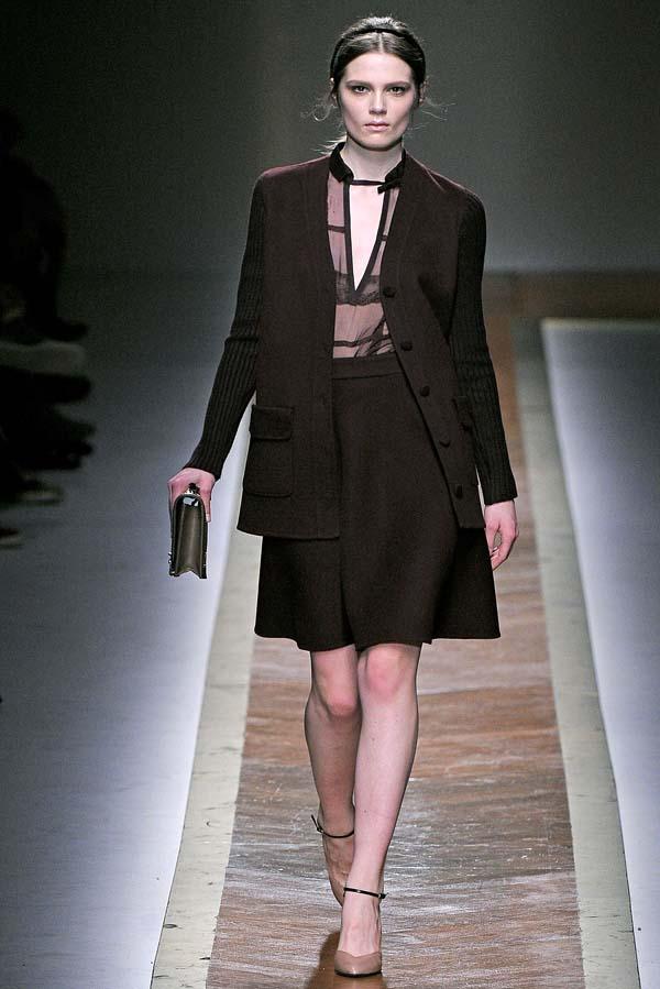 Valentino Fall 2011 | Paris Fashion Week