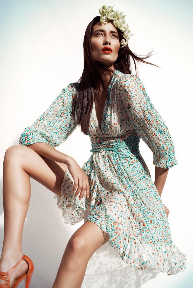 Essenciale Spring 2012 Campaign | Marcelia Freesz by Gustavo Marx