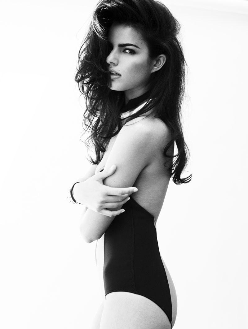 Portrait | Liza Golden by Tim Zaragoza