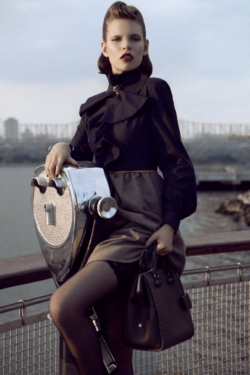 Kat Hessen by Alexander Neumann for Vogue Mexico October 2011