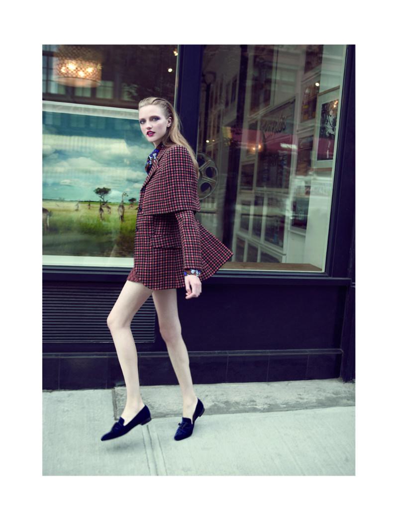 Vlada Roslyakova Hits the New York Streets for L'Officiel Turkey's October 2012 Cover Shoot