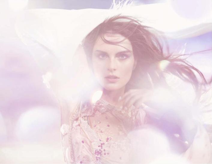 Can You See the Lights? | Lyoka Tyagnereva, Anouck Lepere & Katrin Thormann by Mariano Vivanco