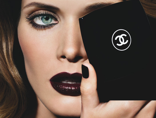 Campaign | Malgosia Bela for Chanel Noirs Obscurs Winter 2009
