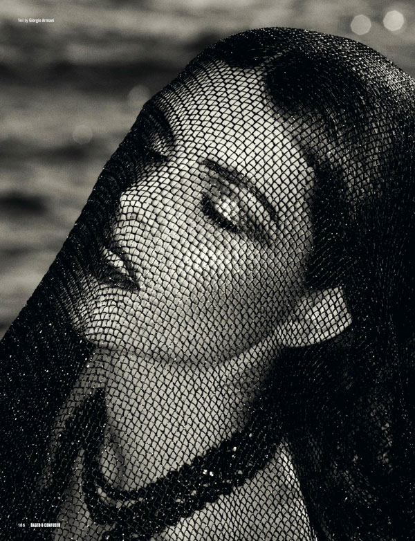 A Look Back | Edge of the World by Mariano Vivanco