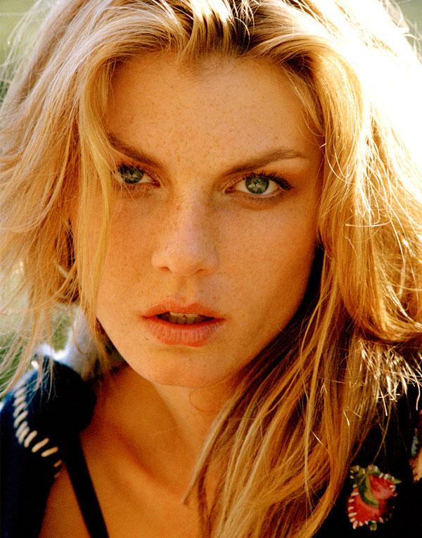 Morning Beauty | Angela Lindvall by Naj Le Gitan