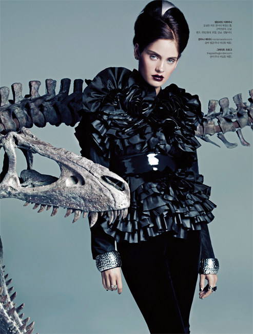Heidi Mount Channels Daphne Guinness for S Magazine September 2012