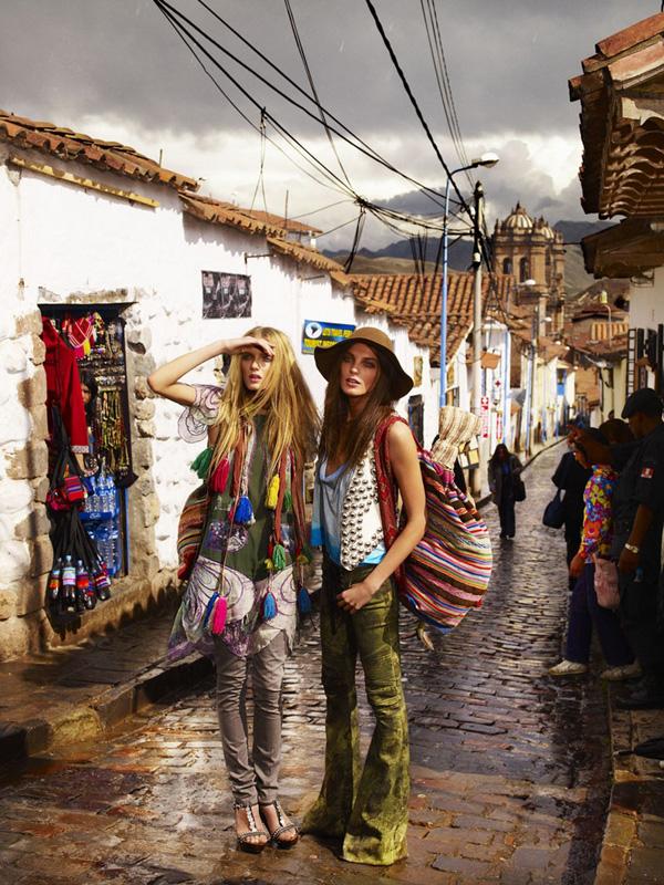 Morning Beauty   Daria Werbowy & Lily Donaldson by Mario Testino