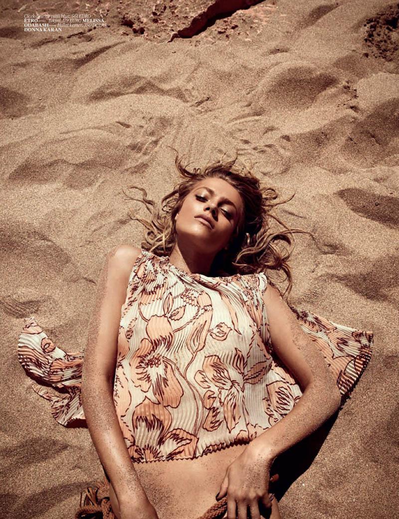 Anna Jagodzinska for Vogue Turkey June 2011 by Mariano Vivanco