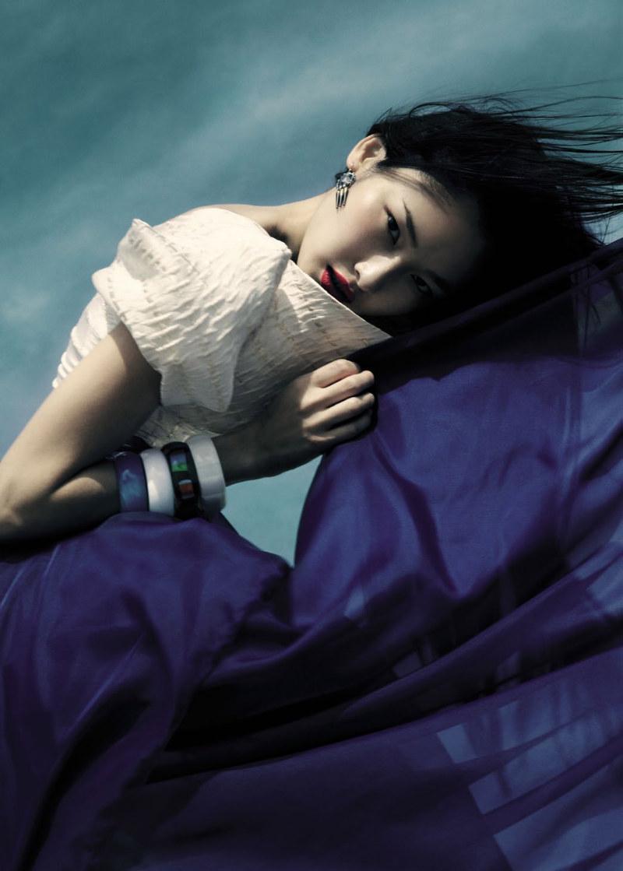 Dinara Chetyrova by Jamie Nelson for Elle Vietnam July 2011