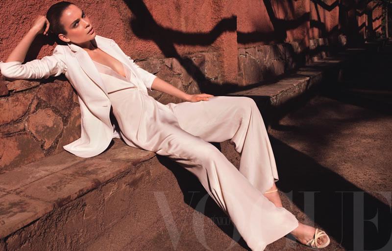Kim Noorda by Marcin Tyszka for Vogue Mexico June 2011