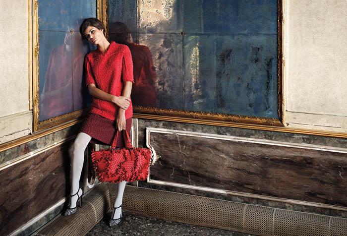 Bottega Veneta Fall 2011 Campaign Preview   Isabeli Fontana by Robert Polidori