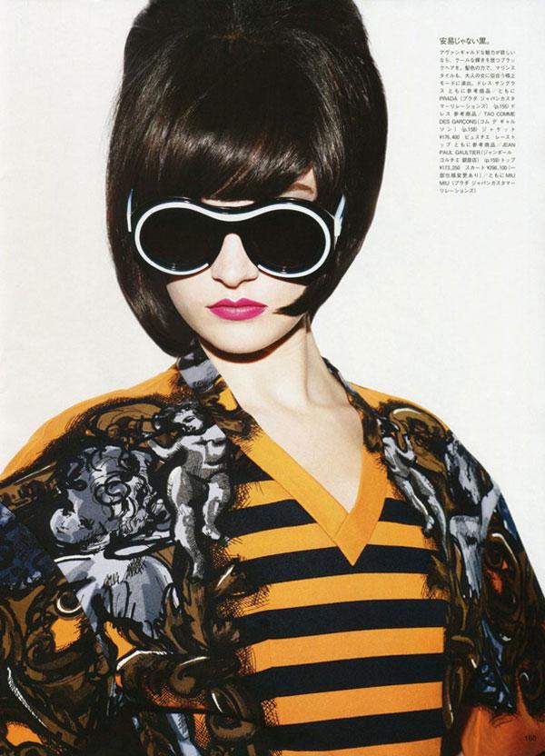 Jacquelyn Jablonski & Hannah Holman by Ben Hassett for Vogue Japan June 2011