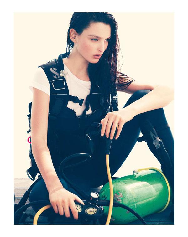 Georgina Stojiljkovic by Andreas Sjodin for Elle Sweden June 2011